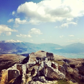 In which we flounce about Abruzzo and eat a lot: A happy tale of cheese, wine, and spellbinding mountains