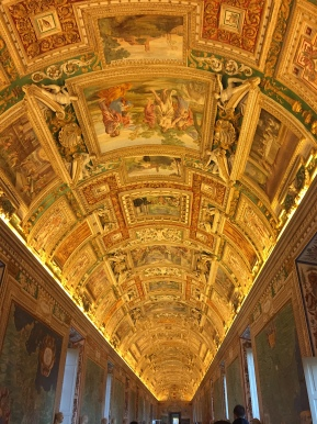 Waltzing into the Sistine Chapel before it actually opens: a tour with The RomanGuy